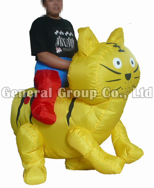 Golden Cat Inflatable Moving Cartoon