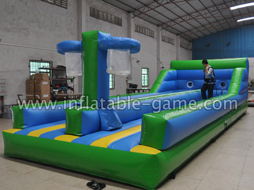 Bungee run and basketball