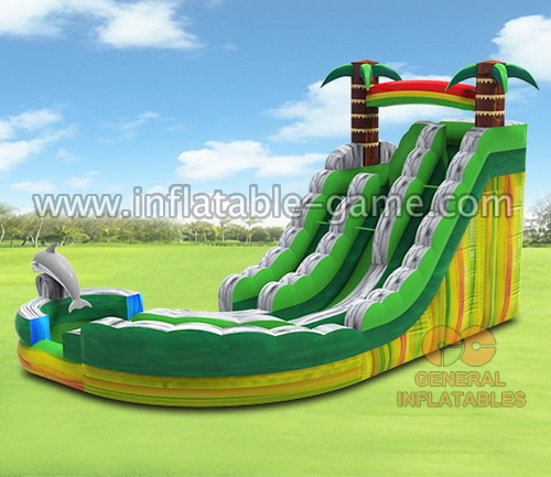 Curved water slide